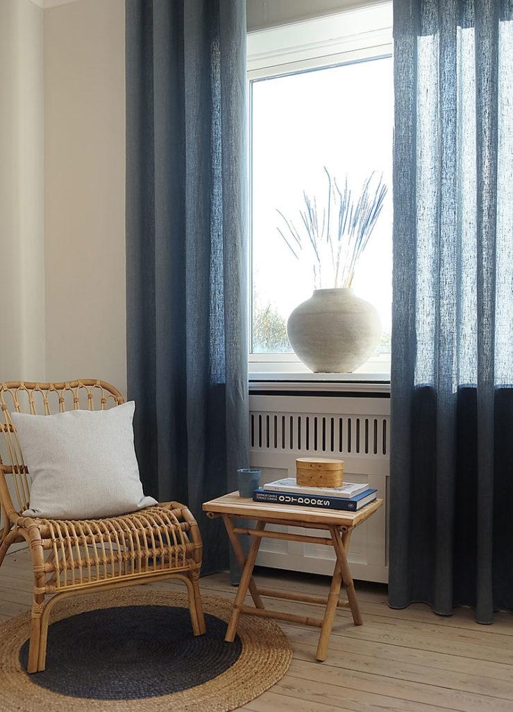 Lange gardiner fra loft til gulv